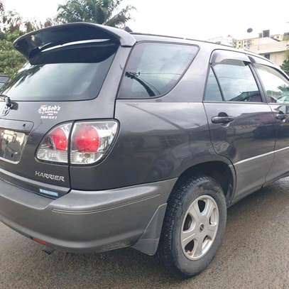 2002 Toyota harrier image 5