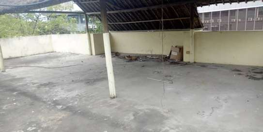 4bed  a stand alone house at regent estate  with big compound  ideal for school image 8