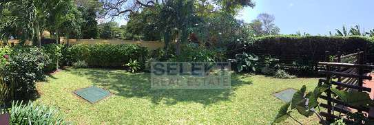 3 Bedroom Standalone House At Oyster Bay image 1