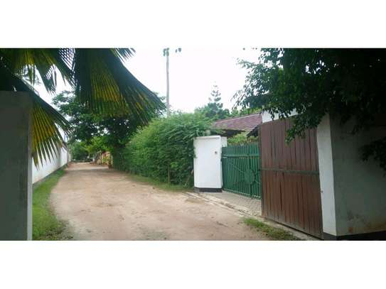 two houses for sale in the compound at masaki  2000sqm  price $1,000,000 image 4