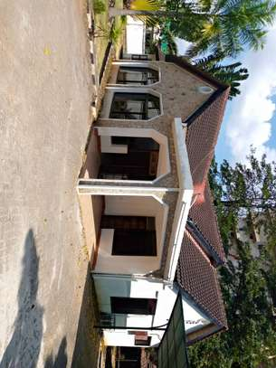 5 bed room house for rent at masaki image 9