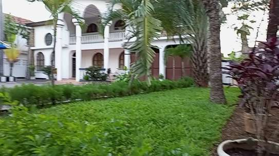 4 bed room house for rent at mikocheni image 1
