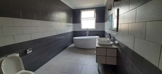 4 Bedrooms Large House In A Small Gated Community In Oysterbay image 15
