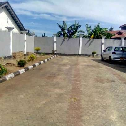 MBEZI BEACH - 3BEDROOM STAND ALONE UNFURNISHED image 6