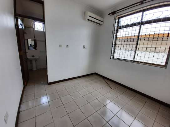 4 BEDROOMS STAND ALONE HOUSE FOR RENT image 11