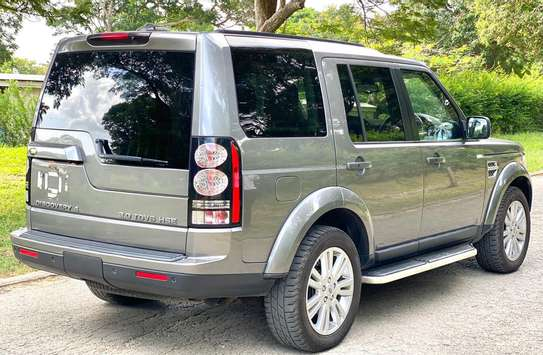2011 Land Rover Discovery image 5