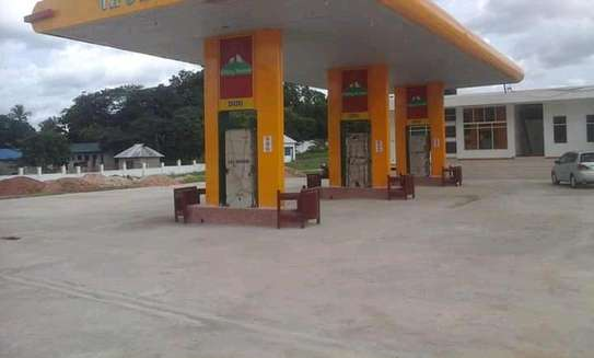A Petrol Station For Lease. image 2