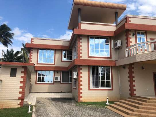 6 Bdrm Beach house for sale at kigamboni image 4