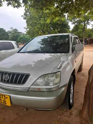 2001 Toyota Harrier image 11