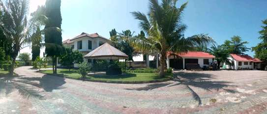 A MANSION WITH 6261 SQM FOR SALE image 1