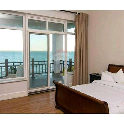 Full Furnished Luxury Beach Villa For SALE. image 7