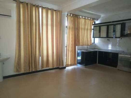 3bed apartment at oyster bay $800pm image 12