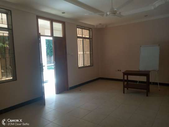 4bed house at oyster bay with big compound $3500pm image 4