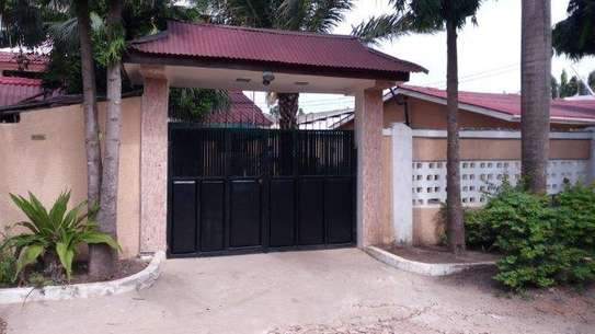 4bed house in the compound at msasani $800pm image 6