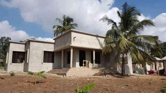 HOUSE FOR SALE IN MADALE image 1