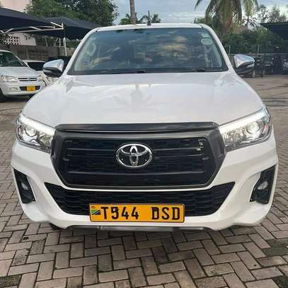 2018 Toyota Hilux Double Cabin image 3