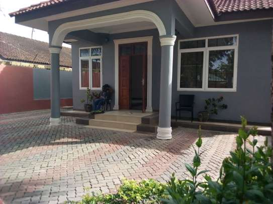 3bed house at mikocheni tsh 1,500,000 2bed all ensuite image 1