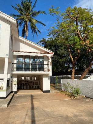 3 BdrmVillas for rent in Masaki image 2