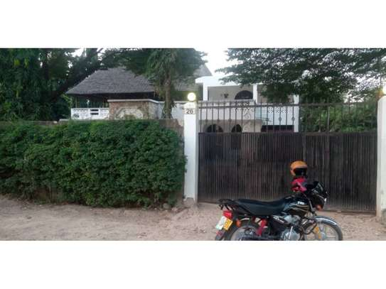 5bed house at mikocheni $1500pm image 10