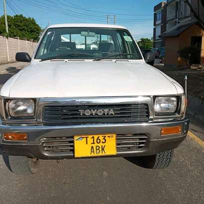 1996 Toyota Hilux image 1
