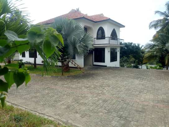 5bedroom house at Goba