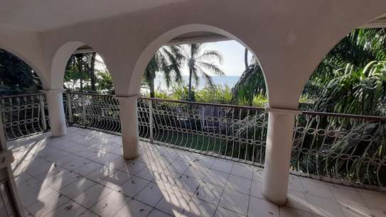 4 Bedrooms Beach House For Rent in Msasani Peninsula