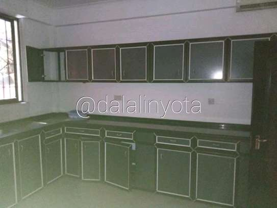 5 BDRM HOUSE NEAR DON BOSCO ADA ESTATE image 4