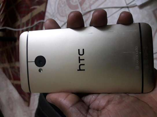 HTC ONE M7 for sale image 4