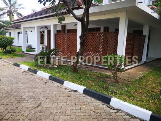 Elegant 4 bedroom stand alone for rent at Masaki image 1