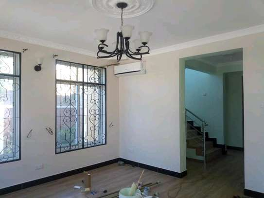 AN EXECUTIVE STANDALONE HOUSE IS FOR RENT NEAR SHOPPERS PLAZA MBEZI BEACH image 5