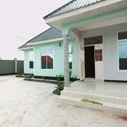 BUY OUR NEW KIBADA KIGAMBONI AREA HOUSE AT LOWERED PRICE. image 1