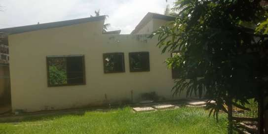 4 bed room house for rent at mikocheni image 4