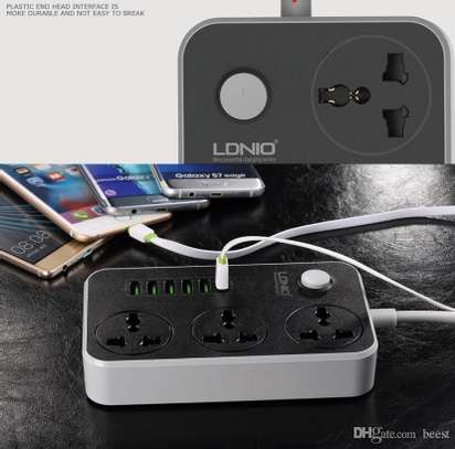 LDNIO Extension Socket With Usb Ports 2 In 1 image 4