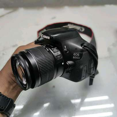 Canon EOS 600D Digital SLR Camera with EF-S 18-55mm f/3.5-5.6 IS Lens image 1