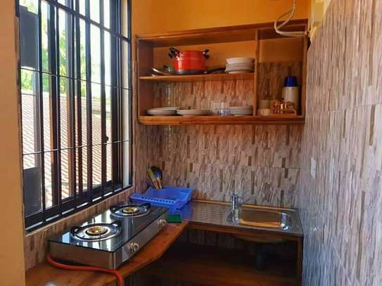 1 bed room house for rent  house is fully ferniture at mikocheni kwa warioba image 5