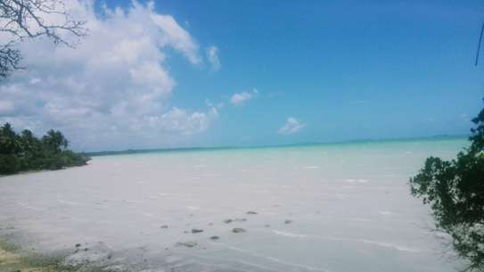 SEAFRONT LAND FOR SALE IN ZANZIBAR ISLAND