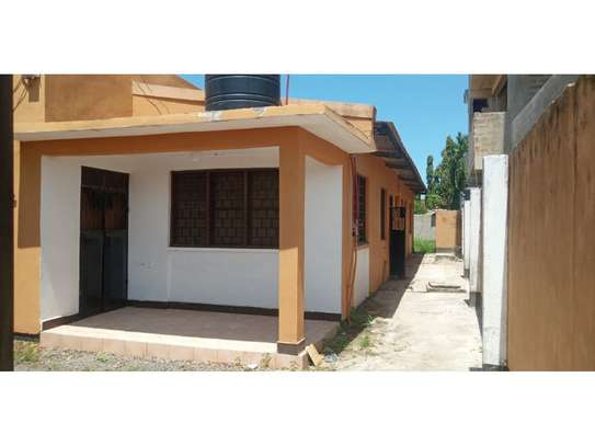 4 Bdrm Stand alone at mikocheni tsh 600,000 image 4