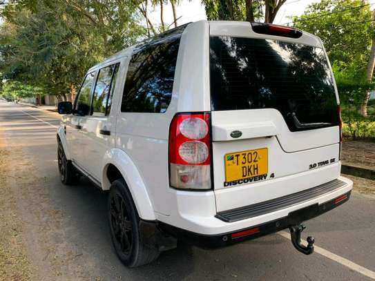 2010 Land Rover Discovery image 8