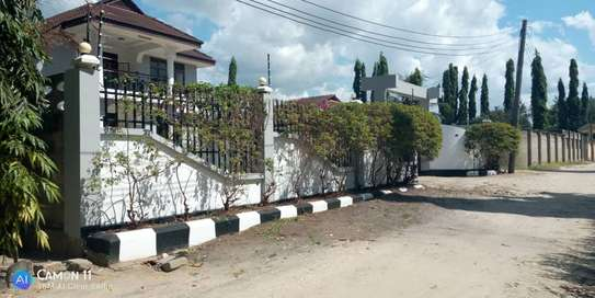 4bed house  for sale at tegeta  zoo image 4