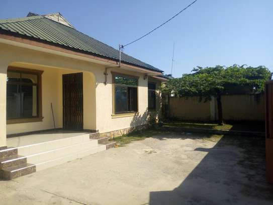 2bedroom House for sale at Boko beach. Tsh 90M image 13