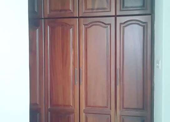 3 bedrooms apartment at Victoria image 4