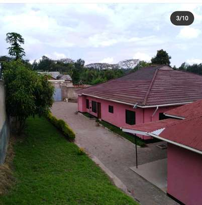 5BEDROOMS  BUNGALOW FOR RENT AT NGARAMTONI-ARUSHA image 2