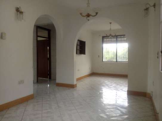 33 bed room house for rent at makongo image 11