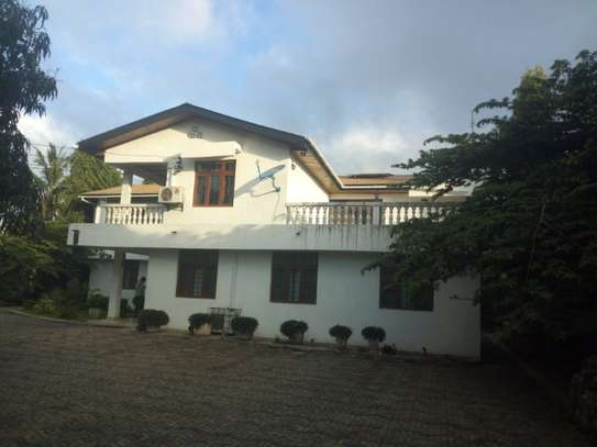 4bed room house  fully furnished at mbezi beah tank bovu $2500pm image 1