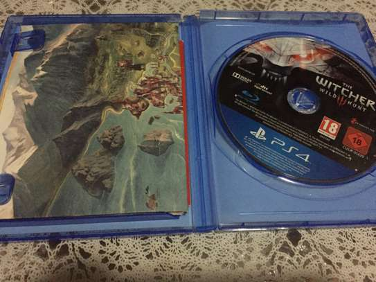 PS4 Games           (The wicher wild Hunt) image 2