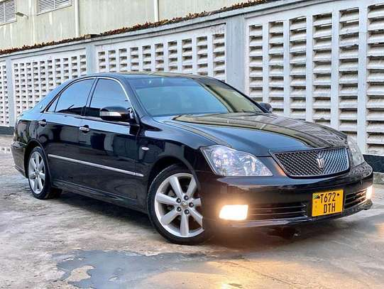 2005 Toyota Crown Athlete image 2