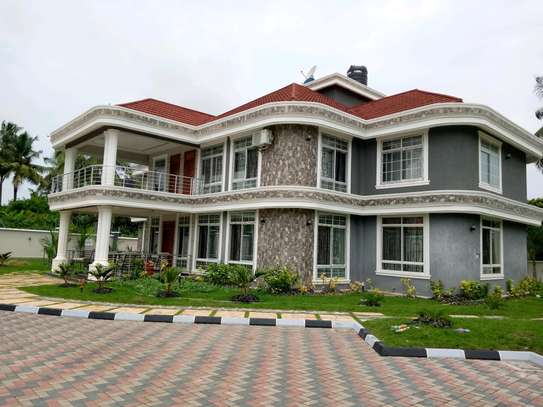 5 Bdrm Executive New Bungalow House Sqm 3500. in Mbezi Beach image 1