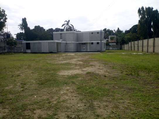 4bedroom house in Ada estate to let. image 2
