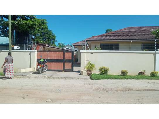 4bed house at mikocheni $1000pm image 4