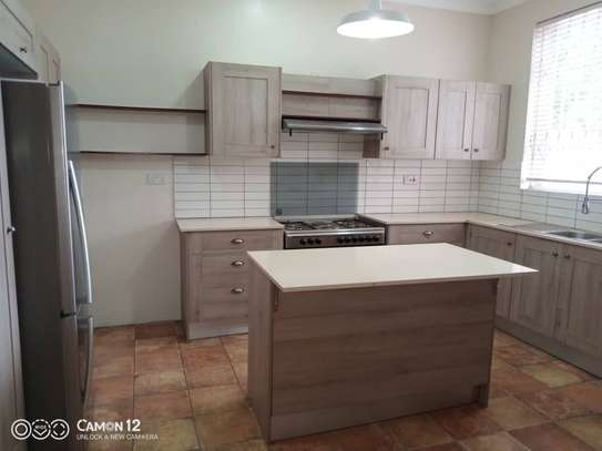 4 Bdrm Town House at Oysterbay image 6